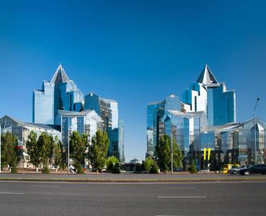 Полифункциональный центр «Нурлы Тау», г.Алматы